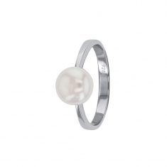 Cultured freshwater pearl set on a plain rhodium plated sterling silver ring