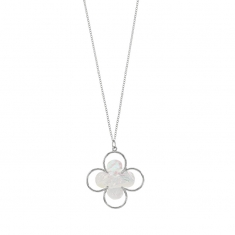 MADRE PERLA long rhodium plated sterling silver necklace with mother-of-pearl clover leaf pendant