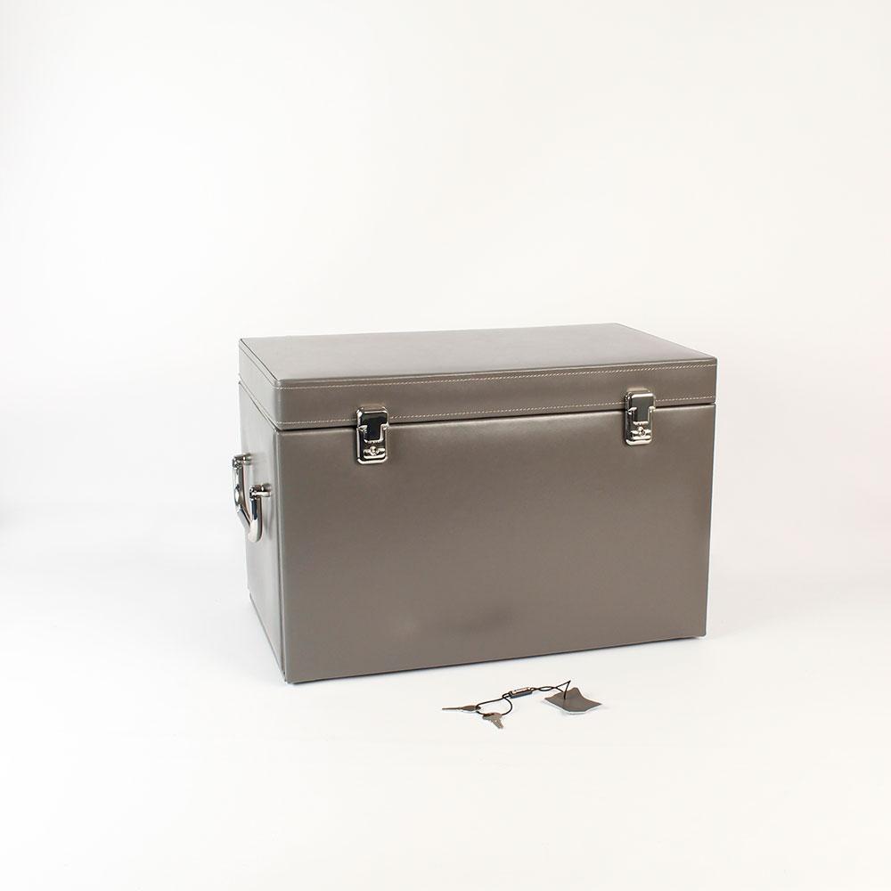 coffre bijoux davidt 39 s en cro te de cuir de vachette grise laval europe. Black Bedroom Furniture Sets. Home Design Ideas