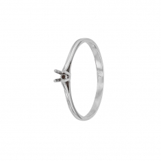 18ct white gold ring mount with 4 claw centre setting 2.4 to 2.7mm