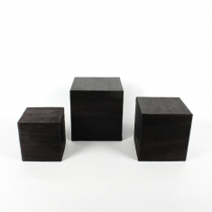 Set of 3 chocolate coloured display cubes in natural fibre