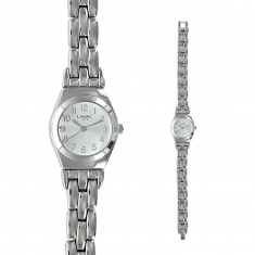 Silver coloured ladies\\\' watch with round face and matching metal strap